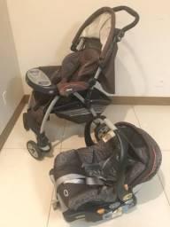 Carrinho de bebê e bebê conforto Chicco Keyfit30