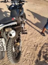 Vendo uma moto XRE - 2012