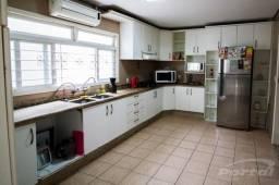 Linda Casa na Vila Nova com 373m²