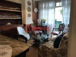Ótimo apartamento de 2 quartos no centro de Teresópolis