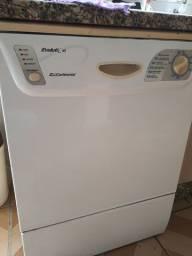 Maquina de lavar louça grande