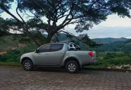 Título do anúncio: Triton completa diesel / baixo km