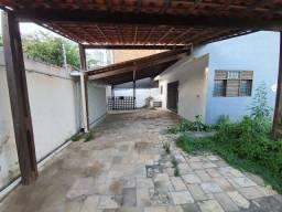 Título do anúncio: J Casa com garagem no Imbui