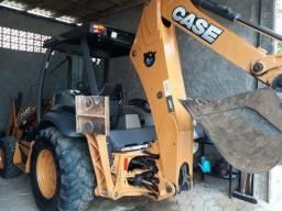Título do anúncio: Retro escavadeira  CASE 580N