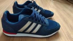 Tênis Adidas seminovo N° 42
