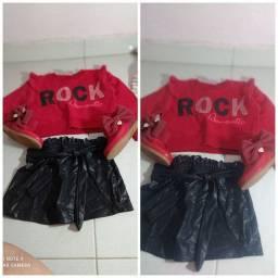 Vendo roupas de menina