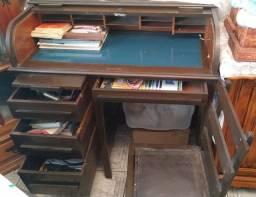 Título do anúncio: Antiga escrivaninha