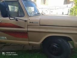 Caminhão Ford F-4000
