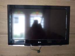 Título do anúncio: TV LG 32 polegadas full HD ou troco