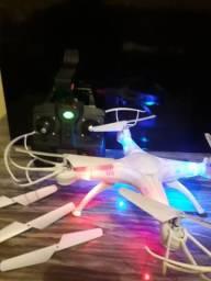 Drone simas x5w e um aviao cesna