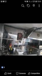 Trailer de churrasquinho e hambúrguer