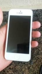 Vendo um iphone 5s para reaproveita pessas