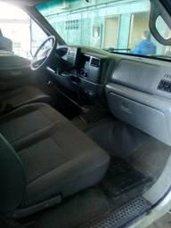 Ford F350 com baú refrigerado 2011 por 75.000,00 - 2011