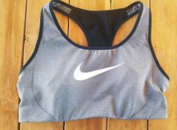 Top Fitness Academia Nike