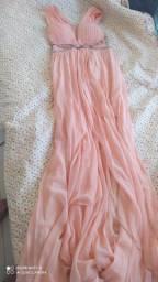 Vestido longo de festa cor rosa com o forro curto