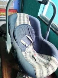 Bebê conforto simples, conservado