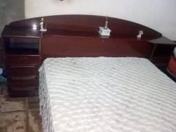 Cama de casal com colchão - R$ 400