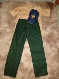 Conjuntos de roupas dos desbravadores