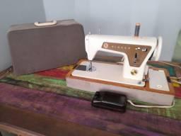 Máquina de costura Singer 660 relíquia