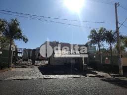 Apartamento com 2 dormitórios para alugar, 62 m² por R$ 550,00 - Shopping Park - Uberlândi