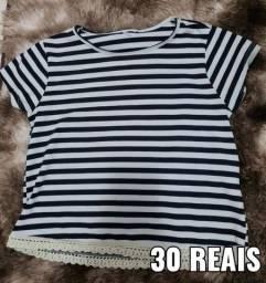 Blusinha listrada de 10 anos(tamanho grande) por 30 reais