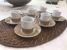 Título do anúncio: Lindo Conjunto de 6 xícaras com Pires para café