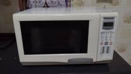 Forno micro-ondas Panasonic
