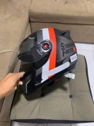 Título do anúncio: Vendo capacete número 60