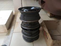 Vendo rodas de ferro amassadas