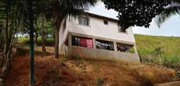 Vendo essa casa.no município de viana es na área Rural.falar com Elias *