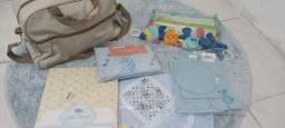 Título do anúncio: Lotinho de acessórios para bebês (TUDO NOVO)