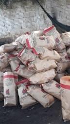 Título do anúncio: Carvão papelão 4.50 e do saco plástico 5.50