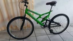 Vendo esta linda bicicleta.