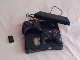 Vendo ou troco Xbox 360 com Kinect com os 2 controle, por um PS4