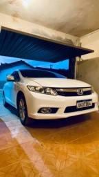 Título do anúncio: Civic Branco aut + couro & 4 pneus novos + multimídia
