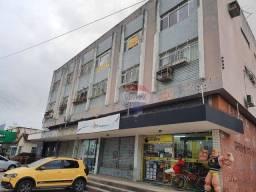Apartamento com 3 dormitórios à venda, 134 m² por R$ 240.000,00 - Madalena - Recife/PE