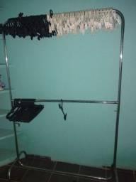 Estrutura de loja de roupas