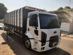 Título do anúncio: Ford Cargo 1319 Boiadeiro 2014/2015 Muito Novo