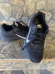 Tênis Nike preto