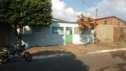 Vende-se casa em Goiânia