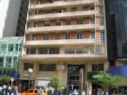 Apartamento central no Edifício Tijucas