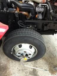 VW 10160 muito conservado. com ar condicionado, todos os pneus novos sem recapar - 2015