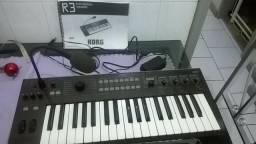 Teclado Sintetizador vocoder Korg R3