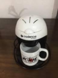 Cafeteira Cadence com caneca