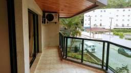 Amplo Apartamento a 2 quadras da Praia das Astúrias!