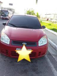 Vende-se este carro ,valor 5.000 em ótimo estado - 2010
