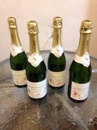 4 garrafas de um vinho branco espumante francês !