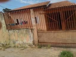 Vende-se casa no bairro Tijucal