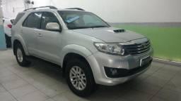 Toyota Hilux SW4 SRV 4x4 2013, 07 Lugares, Diesel, Automática, Blindada Nível III-A - 2013