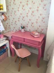 Produtos infantis - cadeira carro - escrivaninha - cadeira rosa